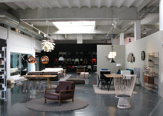 Dom sticoshop nuevo showroom de muebles de dise o en - Diseno industrial barcelona ...