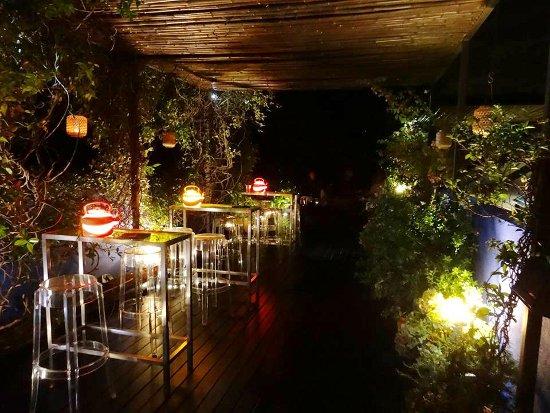 Las 5 mejores terrazas de barcelona para disfrutar del for Hoteles romanticos en la sierra de madrid