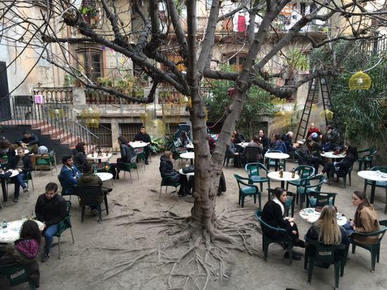 Bueno bonito y barato nuestra selecci n de 8 bares for Locales baratos en barcelona