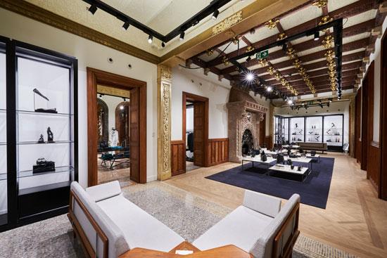 Massimo dutti inaugura flagship store en el paseo de - Chimeneas santaeulalia ...