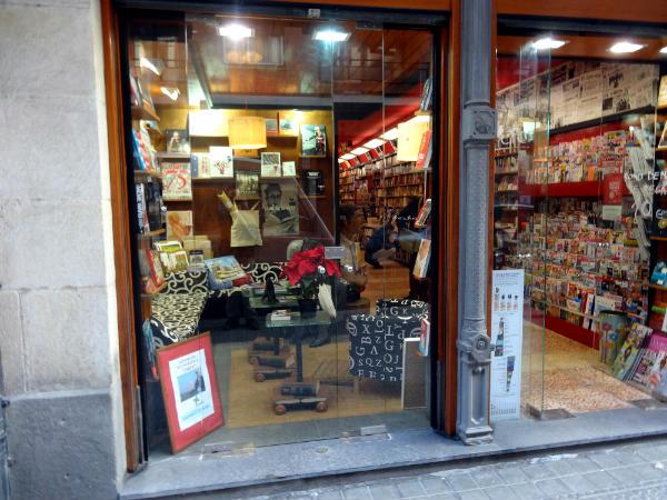 Conoce la renovada librer a c mara en bilbao for Libreria nautica bilbao