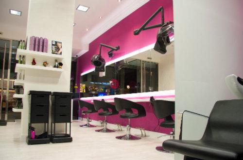 Luce una melena perfecta con gs style en bilbao - Ideas para decorar una peluqueria ...