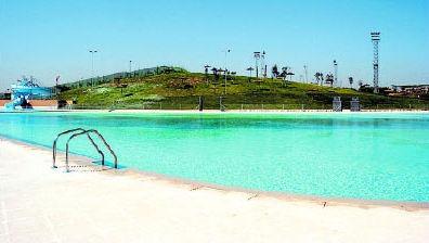 Madrid ya tiene playa for Piscina playa de madrid
