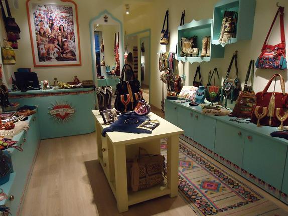 World family ibiza la tienda de bolsos hippies y chic de rsula corber en madrid - Tiendas de decoracion de casa ...