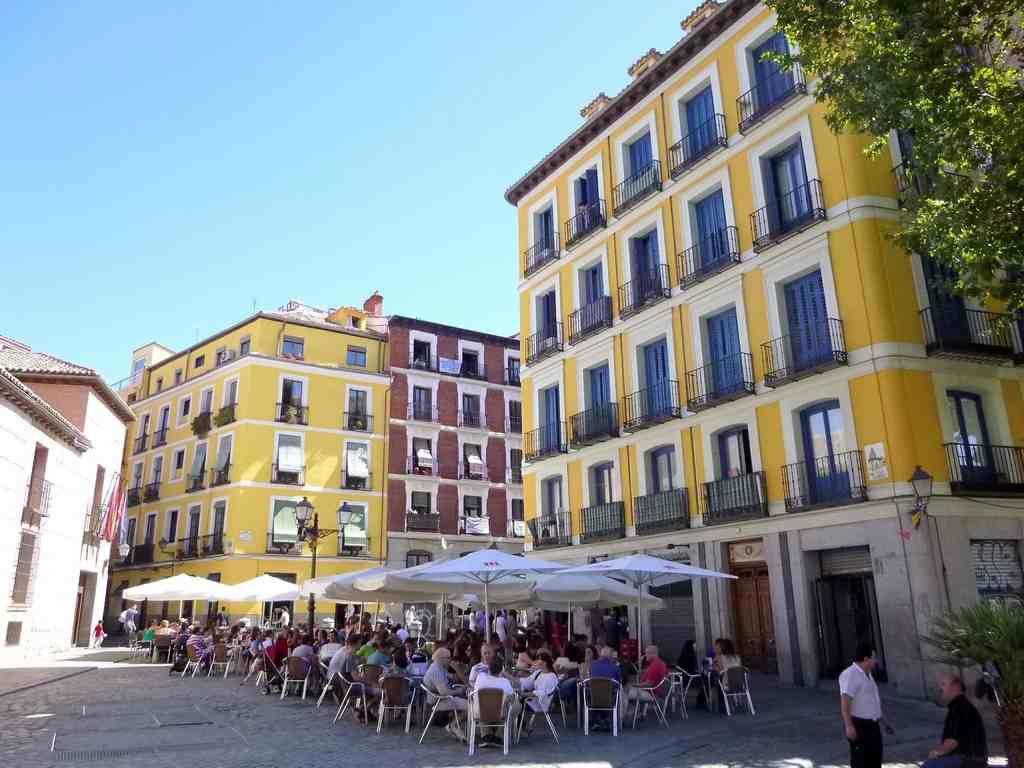 Planes para un d a de verano en madrid plaza san andr s for Que ver en sol madrid
