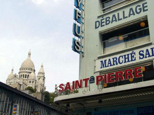 Le march st pierre el para so de la telas en montmartre par s dolcecity - Tissus marche saint pierre paris ...