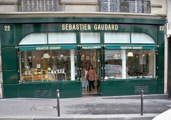 Del atelier pâtisserie de la emblemática pastelería parisina