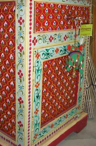 Cinngara moda y decoraci n directamente desde la india - Armarios pintados a mano ...