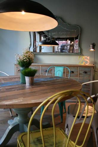Decoraci n vintage mobiliario e interiorismo de estilo - Mobiliario vintage sevilla ...