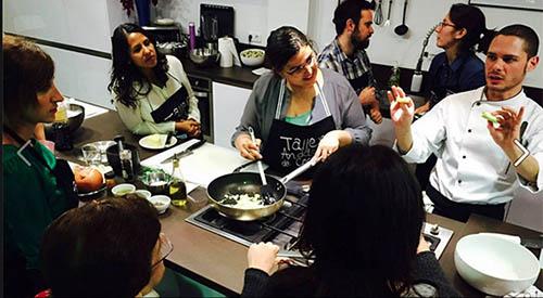 Taller andaluz de cocina aprende a cocinar en el mercado de triana de sevilla - Taller de cocina sevilla ...