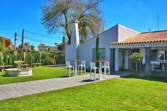 Lope restaurante y jard n una casa convertida en for Restaurante casa jardin