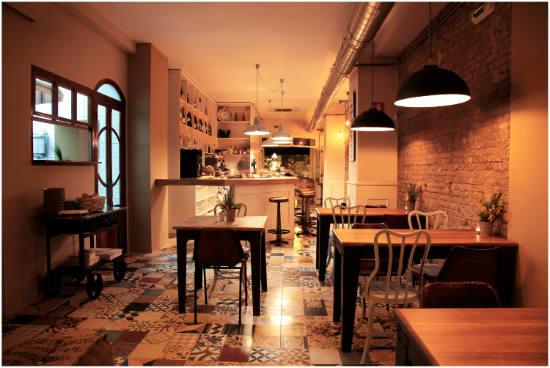 Pica p bar valencia tapas mediterr neas al estilo vintage - Mobiliario de un bar ...