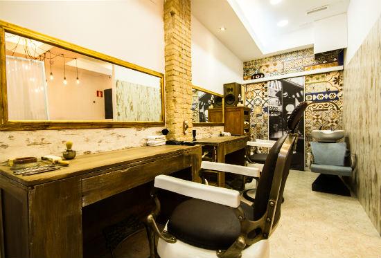 Ultreia peluquer a peluquer a unisex y moderna en for Decoracion de peluquerias