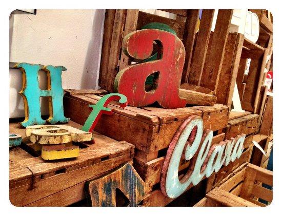 The grokstore letras decorativas y fotograf a en - Muebles vintage en barcelona ...
