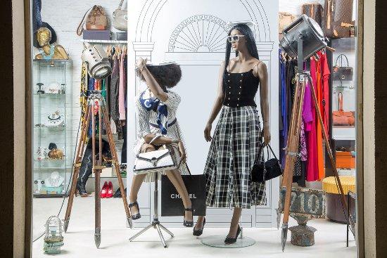 Top 5 con las mejores tiendas de moda vintage de Barcelona ... 263b312d1ca