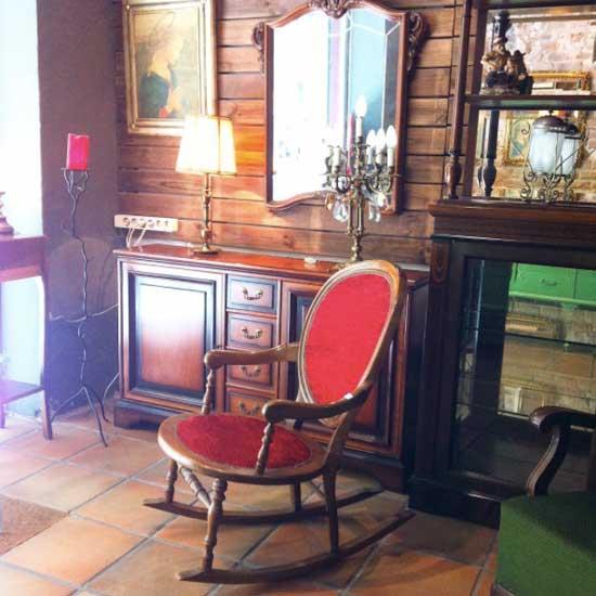 Columpiu muebles de segunda mano a buen precio en el for Muebles de jardin segunda mano barcelona