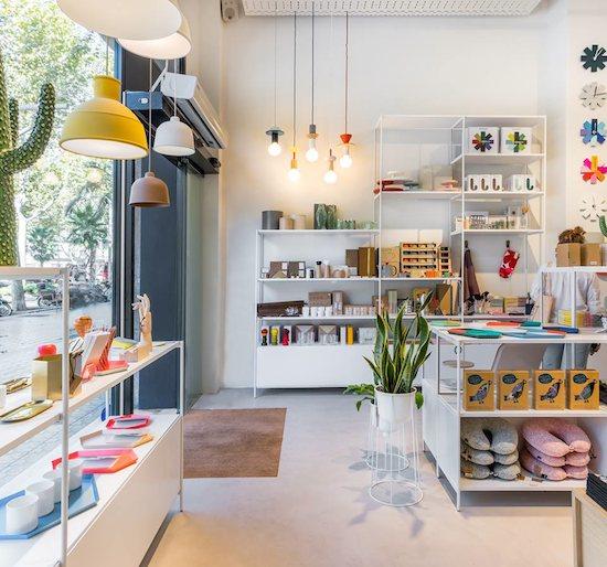 Dom stico shop caf nueva tienda de decoraci n en la for Vaciado de locales en barcelona