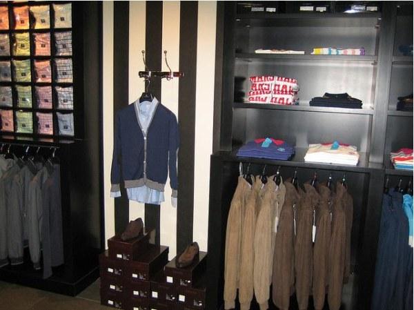 cf471a22e7 Bbailliere es una tienda de moda exclusiva para hombre que abrió hace unos  cuatro años en Bilbao para vestir al hombre actual. Sus claves son la  elegancia
