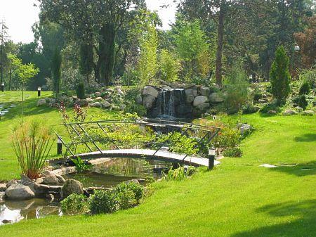 Jaime juanes el paisajista de esp ritu creativo for Jardines con lagos artificiales