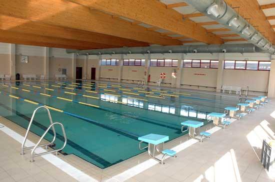 Polideportivo pradillo al sur de madrid for Hoteles en madrid con piscina cubierta