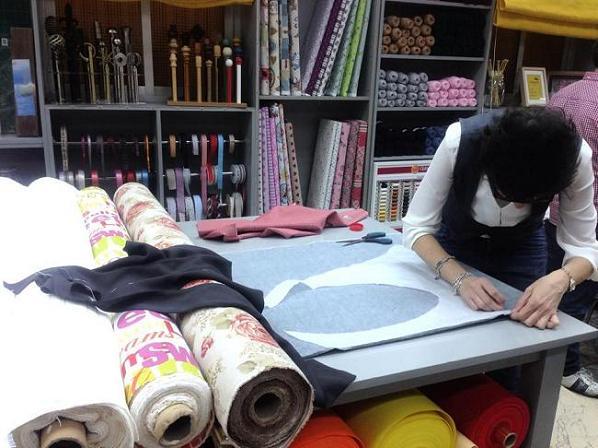 aqu las telas son baratas pero de calidad y seguramente no las habrs visto en ninguna tienda de madrid si quieres darle un aire novedoso o incluso