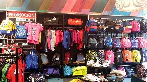2bdab5b94b669 Lo que más gusta de esta tienda es su gran surtido de equipaciones de fútbol