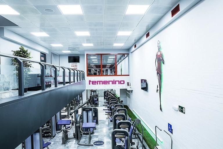 Sin excusas para ponerte en forma en el gimnasio club for Gimnasio 4 caminos