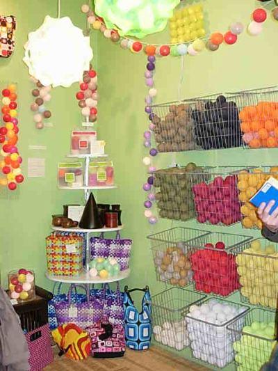 La case du cousin paul bolas de colores a granel for Muebles asiaticos barcelona