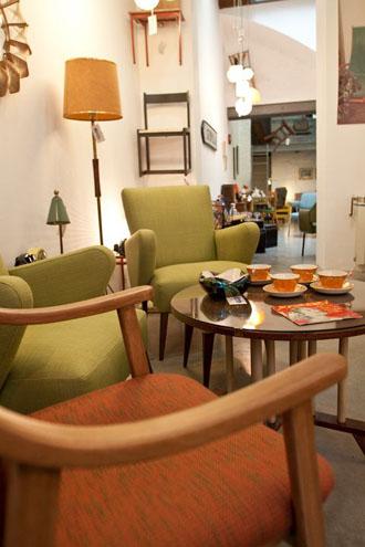 Retrogrado muebles y objetos vintage en sevilla for Vintage muebles y objetos