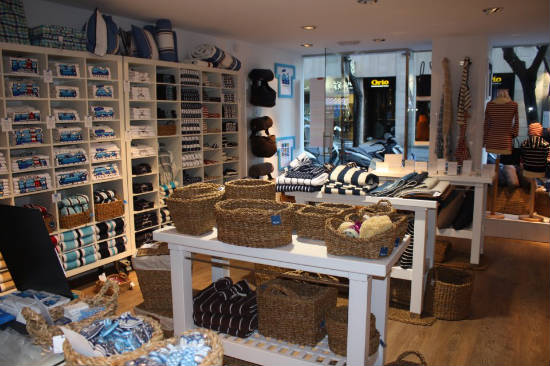 Aqua maritime valencia moda y ropa de hogar con un aire for Articulos decoracion hogar