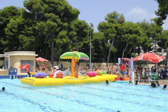 Parque del oeste piscina p blica y al aire libre en for Piscina parque benicalap