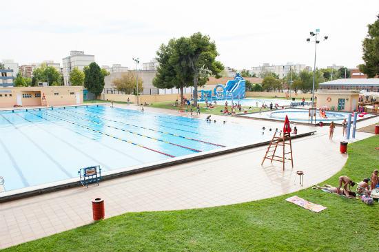 5 piscinas en valencia para disfrutar del verano for Piscina paiporta
